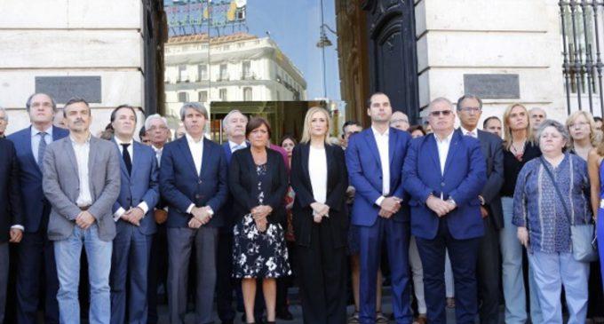En la sede del Gobierno regional, Cifuentes preside un minuto de silencio por las víctimas del atentado de Niza