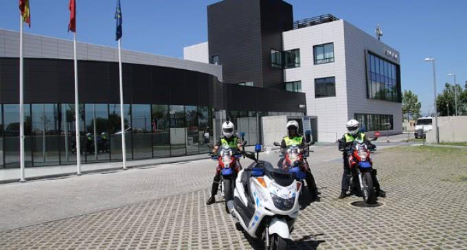 Nueva equipación de seguridad para los motoristas de la Unidad de Atestados de la Policía Local