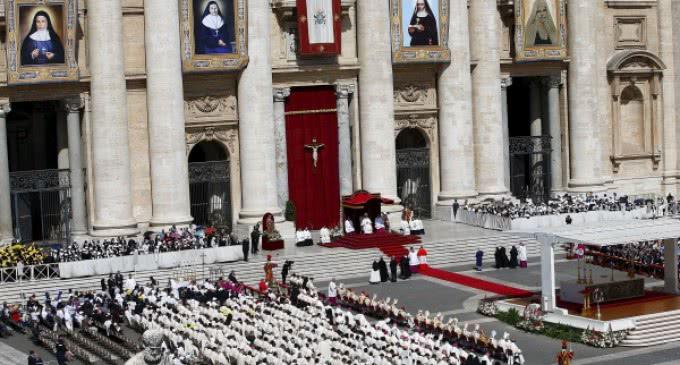 El Papa Francisco canoniza a cuatro nuevas santas, dos de ellas palestinas
