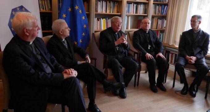 Los obispos de Europa piden reformas y diálogo