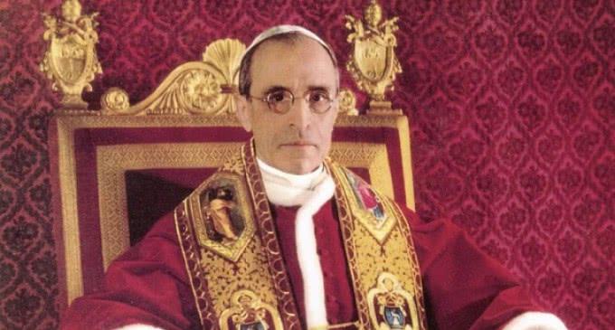 Un libro revela que Pío XII apoyó en secreto complots para derrocar a Adolf Hitler