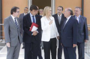 Cifuentes con los rectores de las Universidades públicas de Madrid Foto: D.Sinova