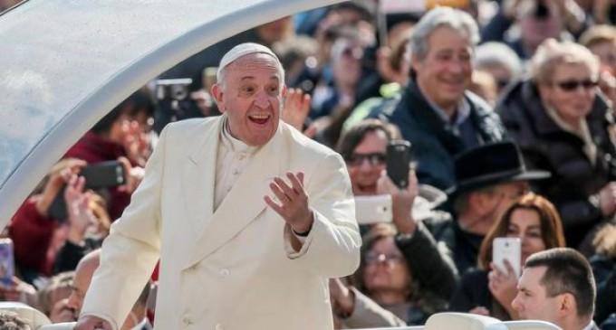 Francisco: Dios nunca abandona al hombre y ni siquiera el pecado puede frenar su amor