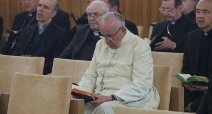 En el retiro del papa Francisco y la Curia romana: 'La Iglesia debe hacer que brille Dios y no ella misma'