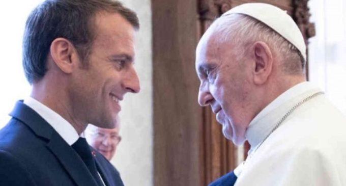 El Papa traslada a Macron la solidaridad de la Iglesia tras el incendio de la catedral de Notre Dame