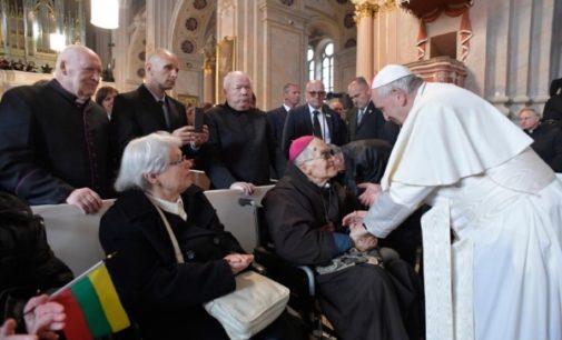 """El Papa en Lituania: """"Ustedes son hijos de mártires, esta es vuestra fuerza"""""""