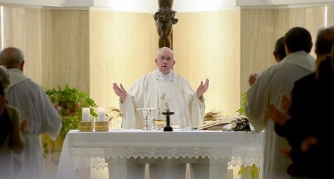 Papa Francisco: La Iglesia es perseguida con leyes que rechazan a Dios y son obra del demonio