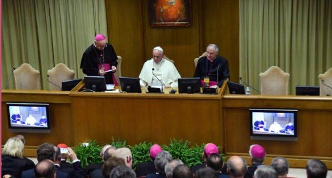 El Papa denuncia los intentos de «cancelar» la diferencia entre hombre y mujer