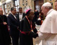 El Papa desmonta la idea de caridad como «píldora calmante para nuestras conciencias inquietas»
