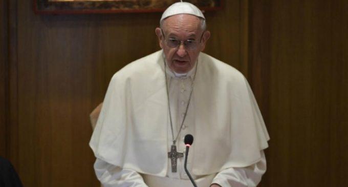 Francisco quiere saldar la «deuda de escucha» de la Iglesia