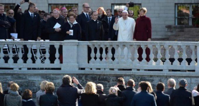 El Papa en Estonia: El exceso de tecnología destruye «los vínculos interpersonales» y la «alegría de vivir»