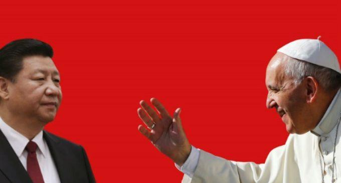 El Papa Francisco intenta saltar la Gran Muralla