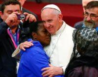 La limosna y el voluntariado «deberían introducirnos a un verdadero encuentro con los pobres»
