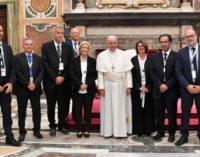 Lolo, ejemplo de periodista para el Papa