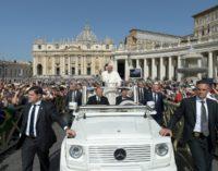 El Papa pide «unidad» y «no tener miedo a la diversidad»
