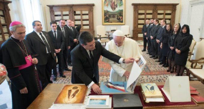 Paraguay: El Papa recibe al presidente Horacio Cartes