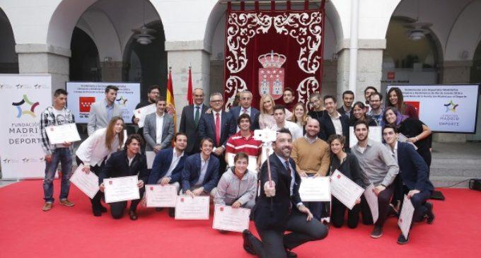 """Cifuentes felicita a los olímpicos y paralímpicos madrileños, """"referentes de esfuerzo, superación y deportividad"""""""