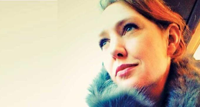 """""""La chica del tren"""" de Paula Hawkins arrasa en las listas de libros más vendidos en EE. UU. y Reino Unido"""