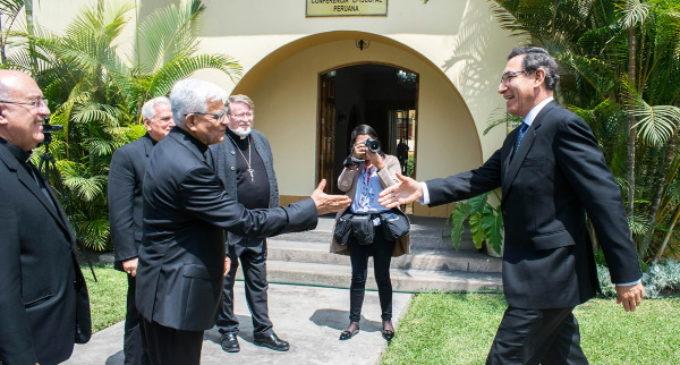 Perú: El presidente de la República disuelve el Parlamento y convoca elecciones