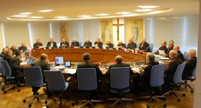 La Permanente de la Conferencia Episcopal Española: La ley LGTBI vulnera «los derechos de la persona»