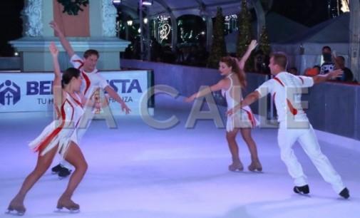 Gran pista de hielo de la Navidad en la plaza de Colón