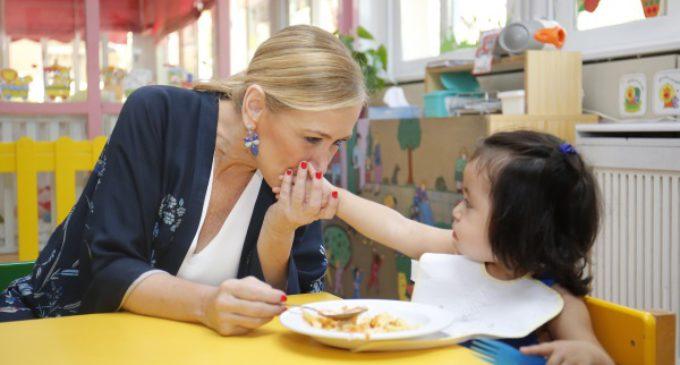 Cifuentes destina 2.700 millones para políticas de apoyo a las familias madrileñas