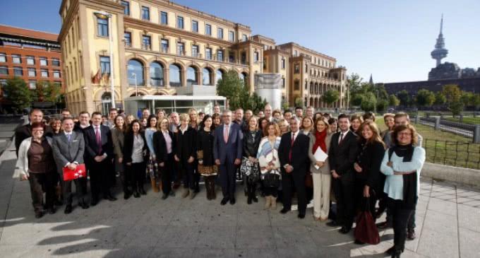 La Comunidad garantiza la continuidad y calidad de los servicios sociales en los municipios de la región