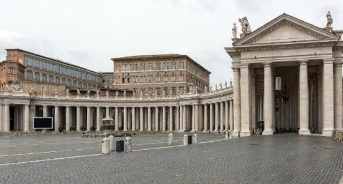 Por crisis del Covid se reducen los sueldos de cardenales y superiores en el Vaticano