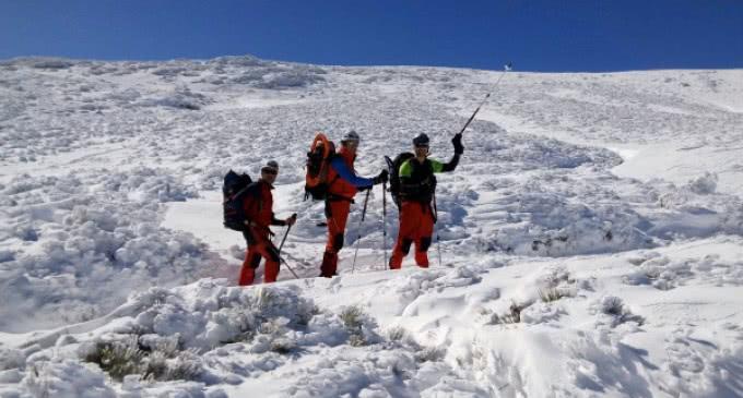 El GERA realiza pruebas de prácticas de socorro, rescate y supervivencia en la sierra durante dos días