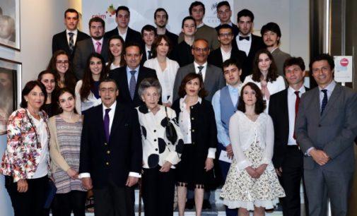 20 antiguos alumnos del Programa de Altas Capacidades reciben el premio Max Mazin como apoyo a sus estudios universitarios