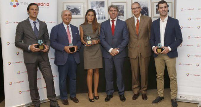 Garrido entrega los Trofeos Taurino Telemadrid a José María Manzanares, David Mora y los toros de Alcurrucén