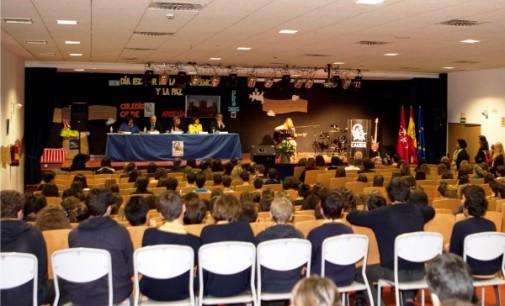 Majadahonda: Entrega de los premios escolares de 'Paz y Cooperación' en el colegio Caude