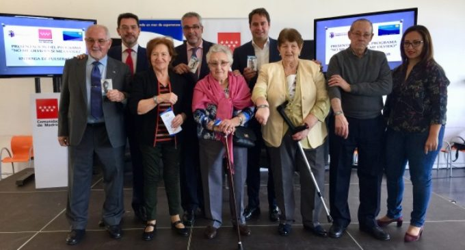 La Comunidad distribuye 5.000 pulseras de emergencia a personas con Alzheimer de la región