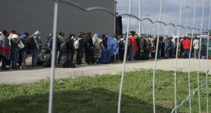 """Cáritas y el Servicio Jesuita a Refugiados denuncian las """"rutas mortales"""" para entrar en Europa"""
