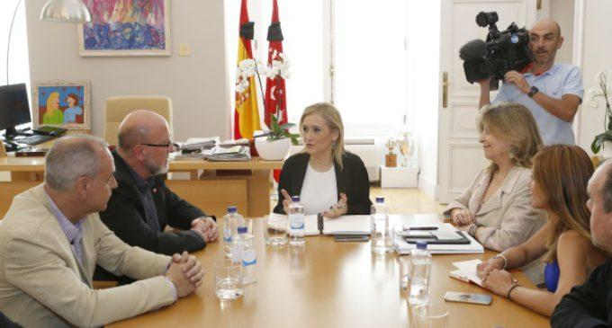 El nuevo secretario general de UGT Madrid, Luis Miguel López, se reúne con Cristina Cifuentes