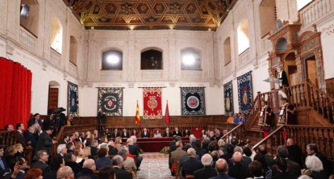 Rollán asiste a la entrega del Premio Cervantes a la escritora uruguaya Ida Vitale