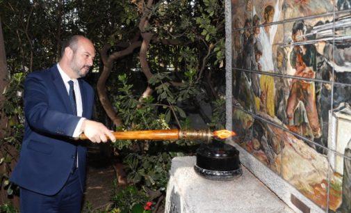 Rollán preside la ofrenda floral a los Héroes del 2 de Mayo en el Cementerio de la Florida