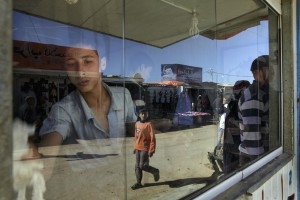 Ruta Siria. Campo. Un comercio en el campo de refugiados de Zatari.  ANNA SURINYACH