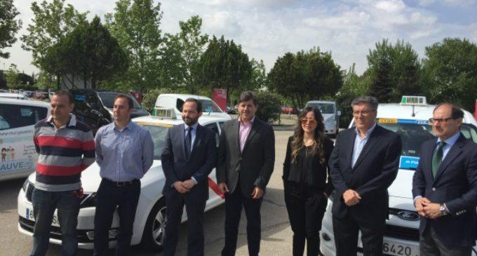 La Comunidad de Madrid aumenta a 8.000 euros las ayudas para la adquisición de taxis eléctricos