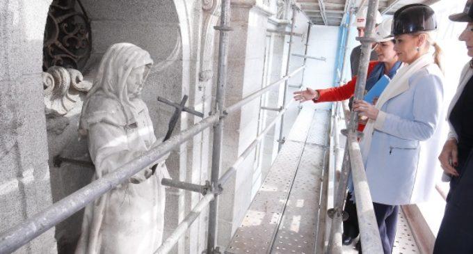 Cifuentes invita a los madrileños a conocer su patrimonio con visitas a las obras de restauración