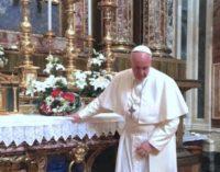 El Santo Padre reza en Santa María la Mayor encomendando su viaje a Egipto