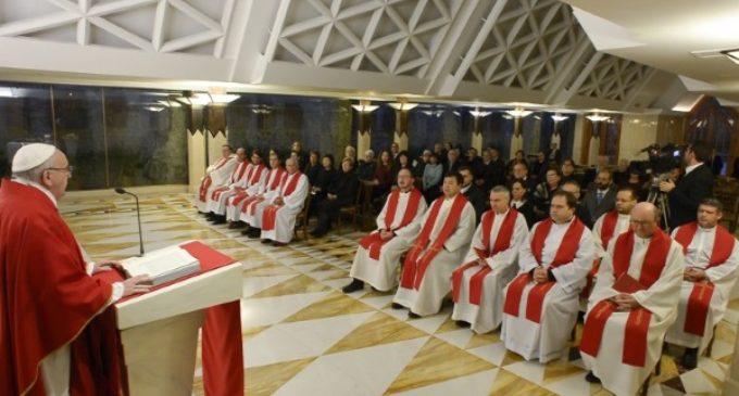 El Papa en Santa Marta: Pio XII al esconder a los judíos cumplía las obras de misericordia