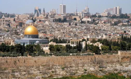 El rey de Jordania financia la restauración del Santo Sepulcro