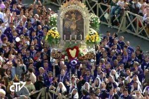 senor-de-los-milagros-en-la-plaza-de-san-pedro-740x493