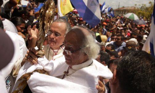 Monseñor Silvio José Báez, obispo auxiliar de Managua (Nicaragua):  «Ser mediadores no nos hace neutrales frente a la violencia»