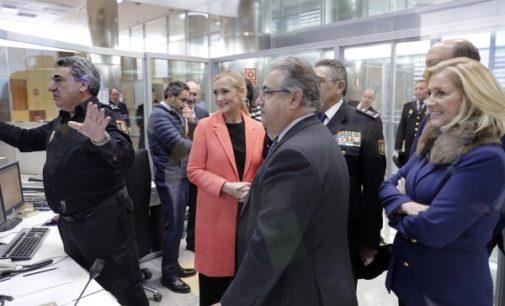 Cristina Cifuentes, con los servicios de guardia en fin de año