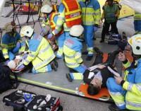 SUMMA 112 y SAMUR-Protección Civil realizan un simulacro de emergencia frente al Estadio Santiago Bernabeu