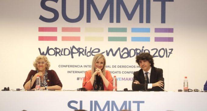 Cifuentes afirma que respetar a las personas LGTBI es respetarnos como sociedad