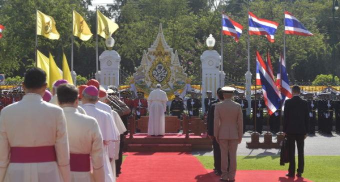 Tailandia: Ceremonia de bienvenida al Papa en la Casa de Gobierno