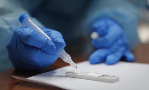 Madrid amplía a otras 14 zonas básicas de salud la realización de test de antígenos